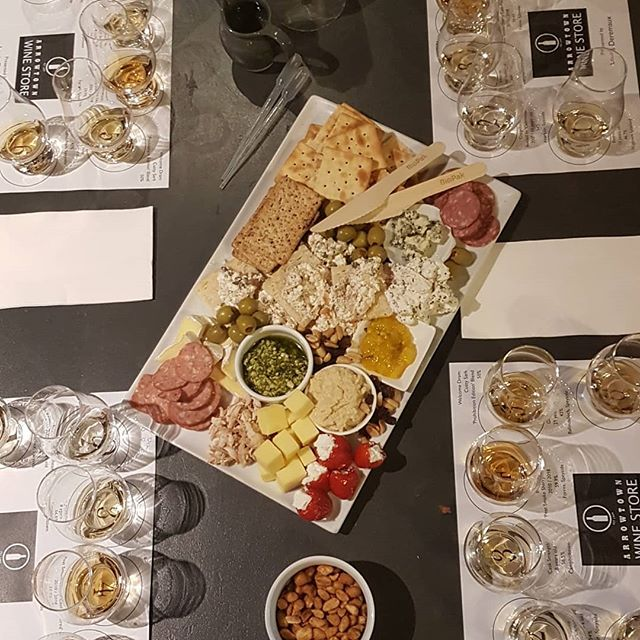 Whisky tasting night at Unwind with @arrowtownwinestore and @whiskygalorenz #whisky #food #platter #sharing #tasting