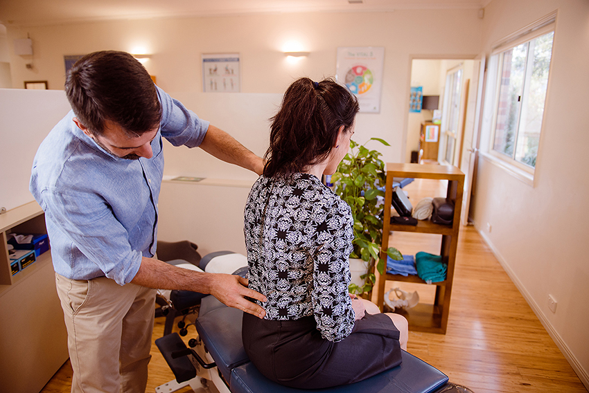 Correct your spinal problems - Find answers to your back and neck problems without drugs or surgery.