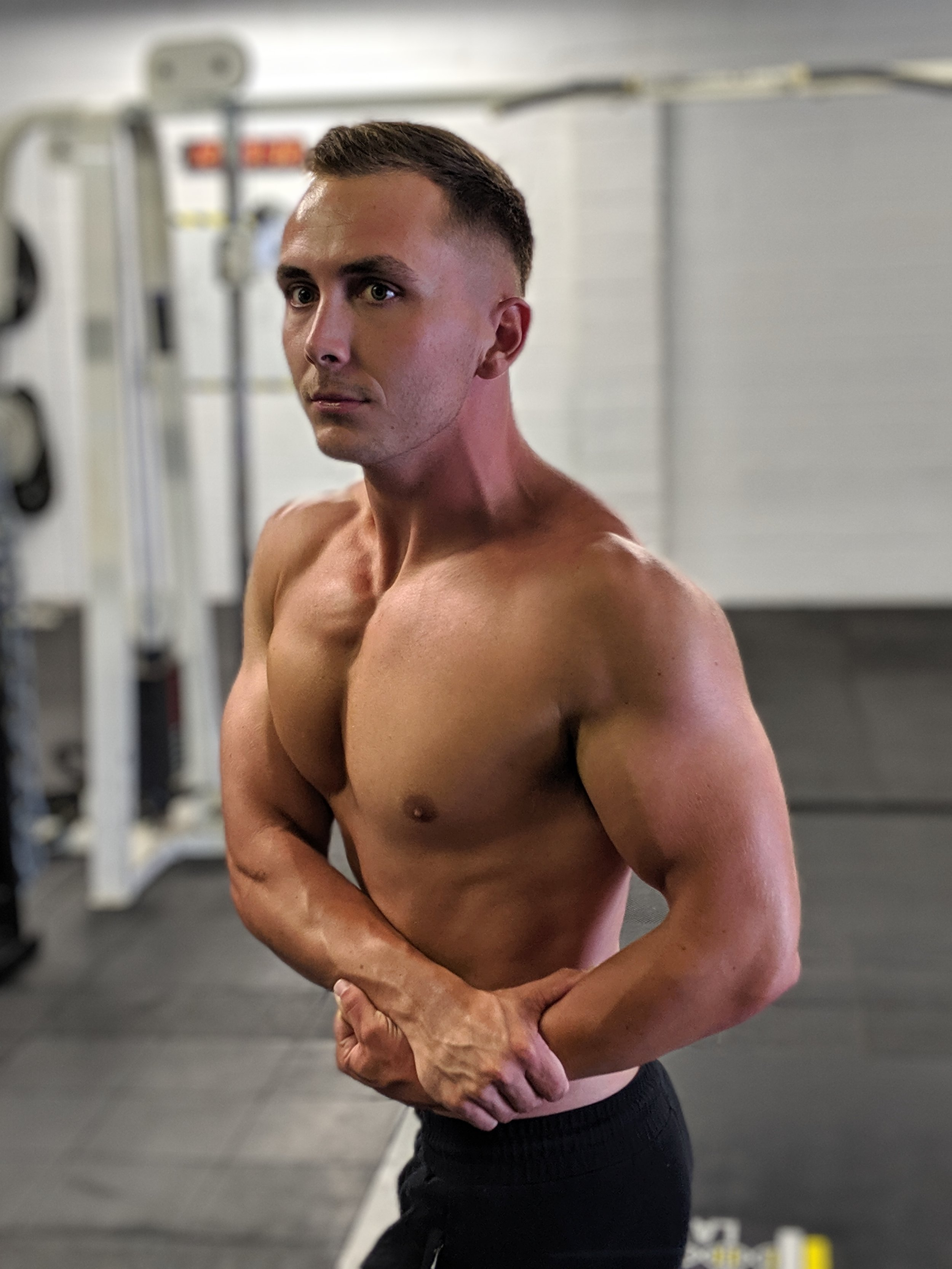 - My name is James and I am an Expert Personal Trainer and Online Coach.I help people get into the BEST SHAPES OF THEIR LIVES.Do YOU want to get into amazing shape?