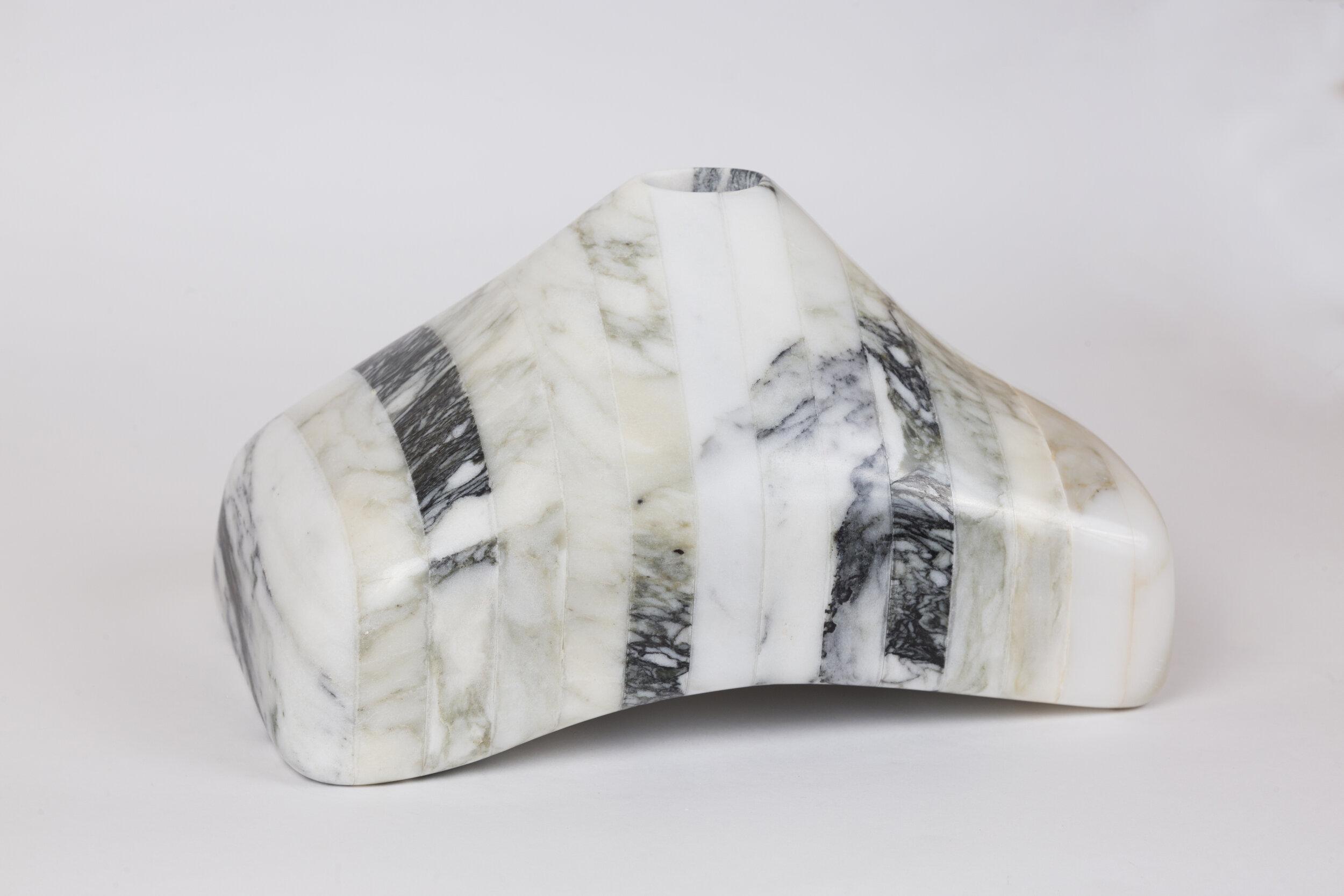 vase _four in neve / greys block