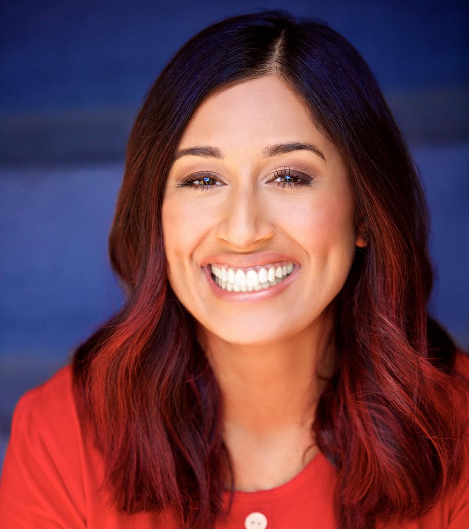 Red shirt head smiling72dpi.jpg