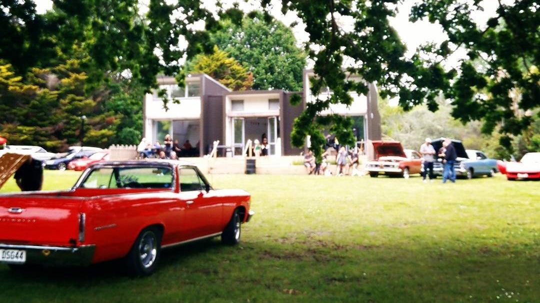 Classic_car_event-Stillwater_Hall