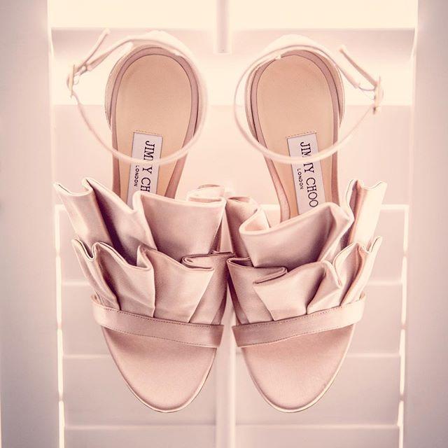 Dream wedding shoes? @jimmychoo 👰🏼 #wedding #weddingphotography #weddingdress #photography #bride #bridesmaids #hertfordshire #groom #inspo #gaynespark