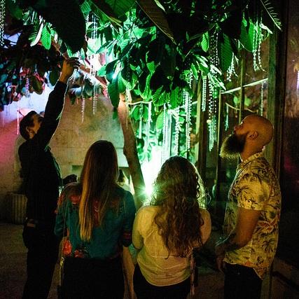 Lysbid forvandlede villaen med 11 forskellige installationer og en sjælden stimulering af alle sanser med musik, mad, lys og objekter.
