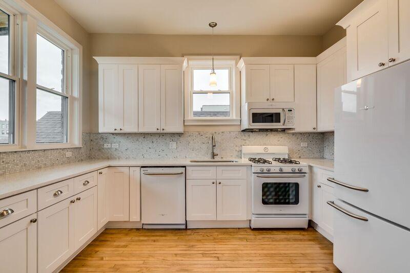 Kitchen Straight on West.jpg