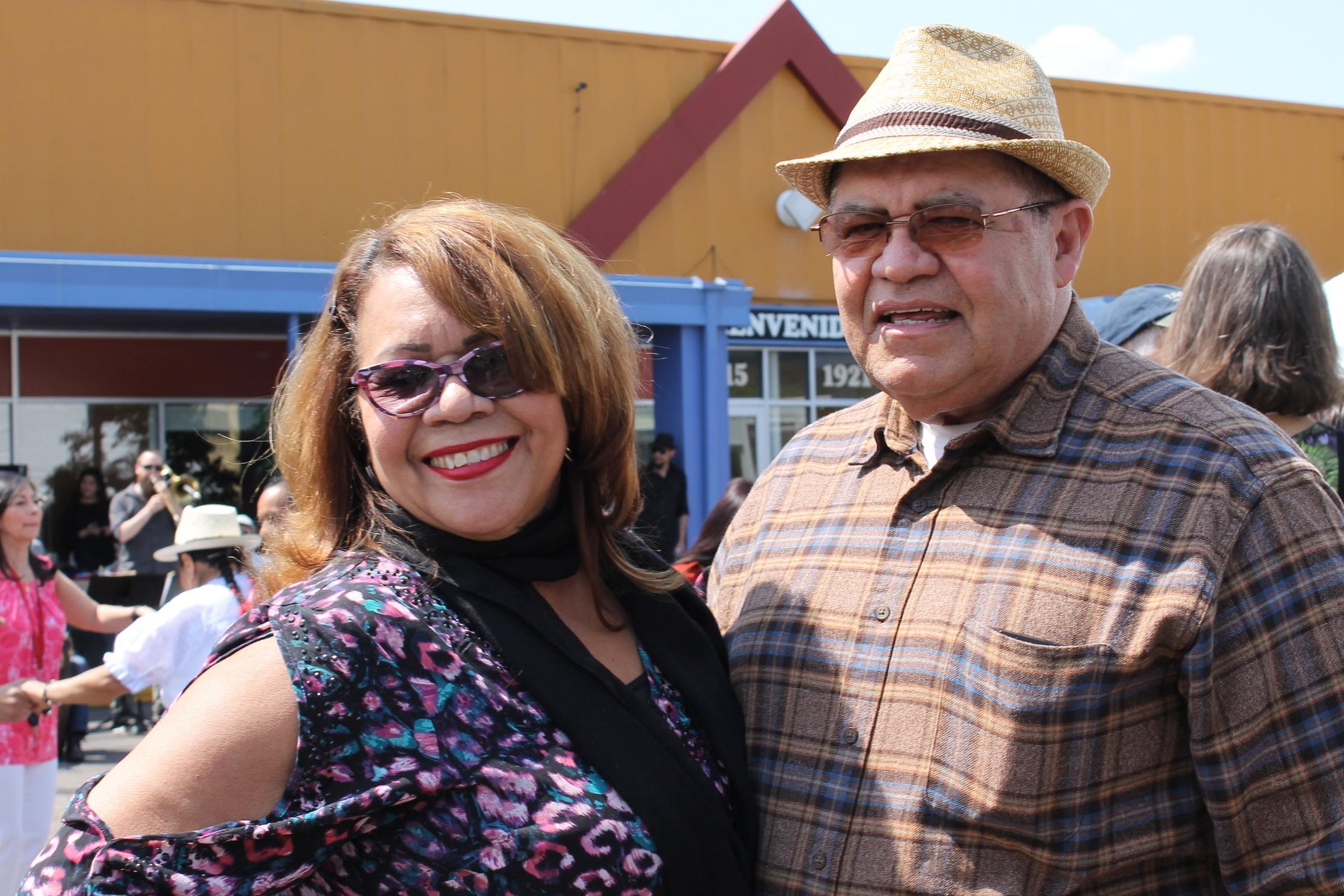 Descripción de foto: Nuestres Sabies Mayores celebrando el día de la familia en Centro Tyrone Guzman.