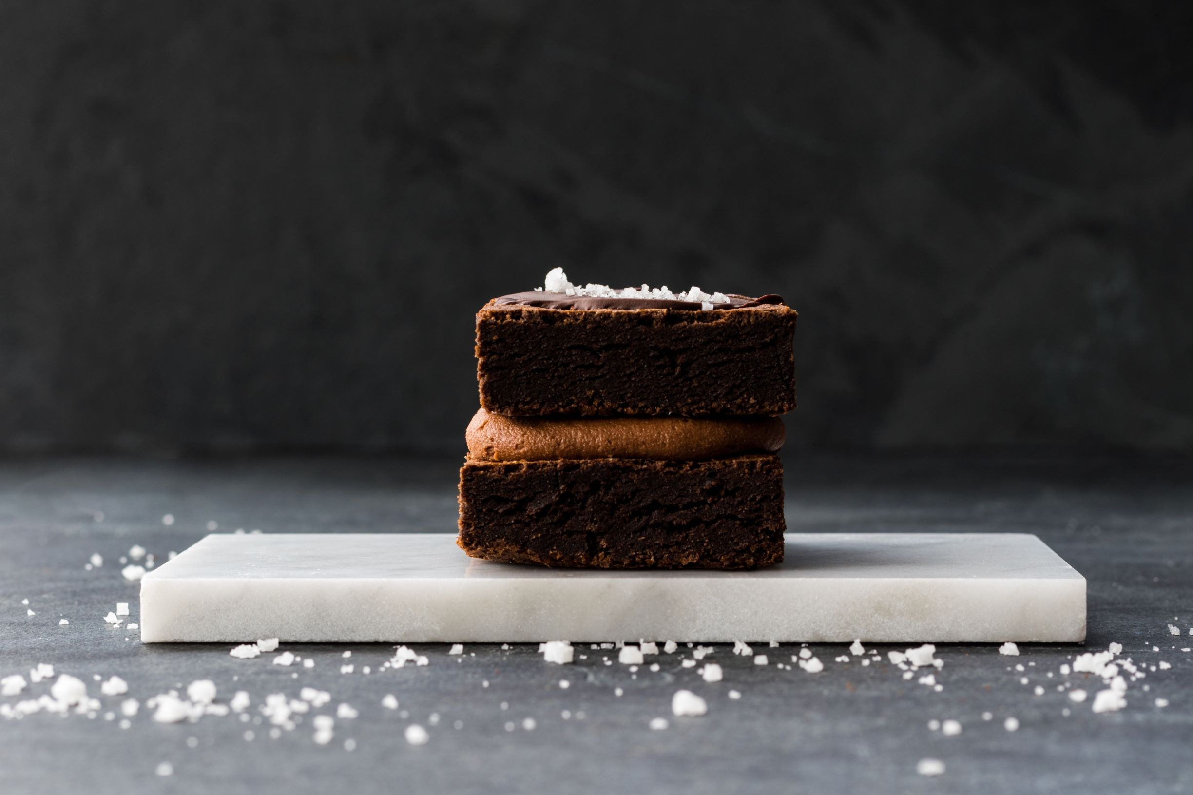 FUDGE! - CLASSIC FUDGE BROWNIE WITH SEMI-SWEET CHOCOLATE AND COARSE SEA SALT