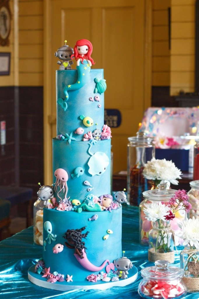 09-mermaid-wedding-cake-robots.jpg