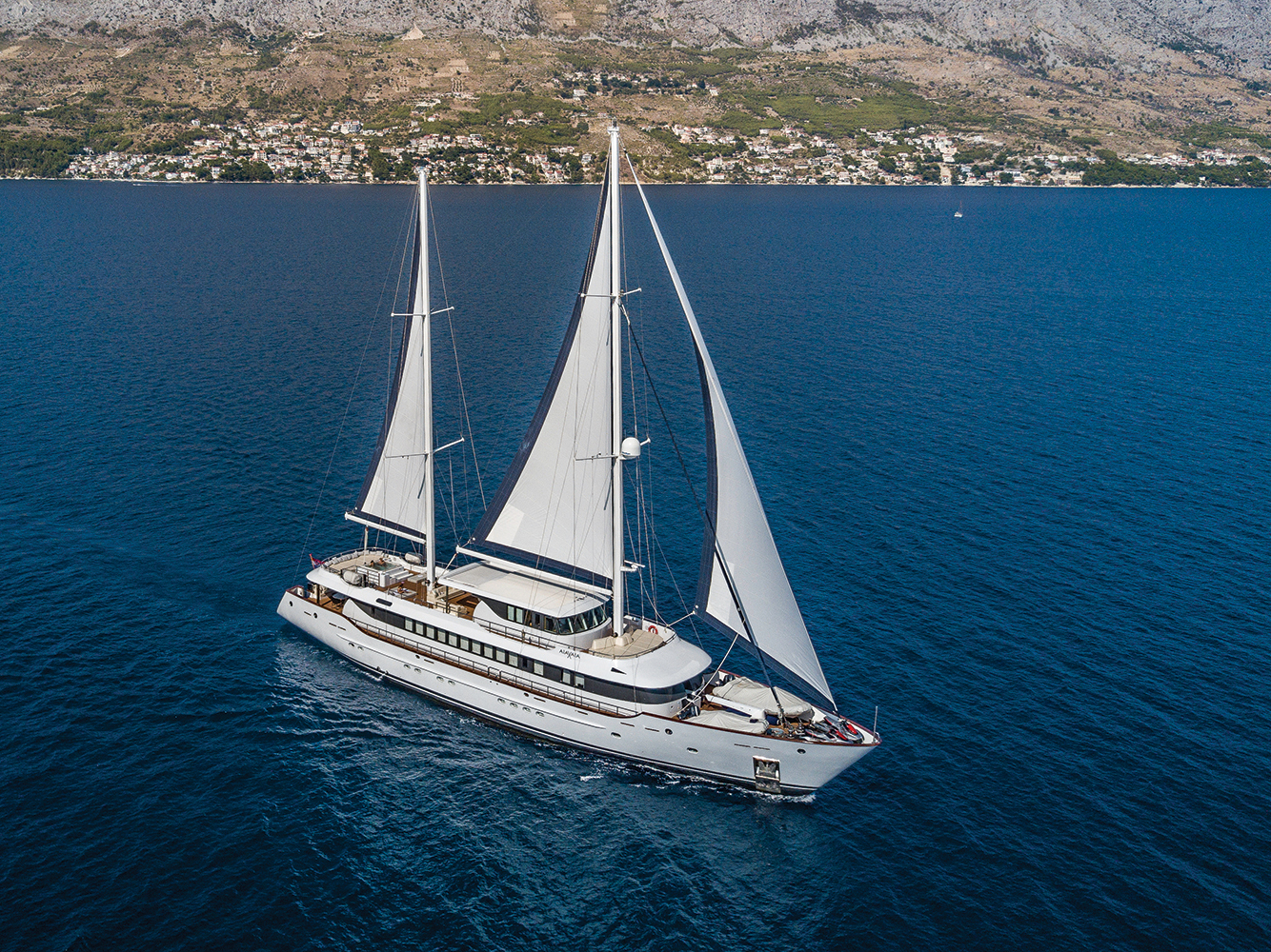 YACHT AIAXAIA  LOA: 46,00m / 151ft  GUEST CABINS: 1 Master, 1 Vip, 2 Double, 2 Convertible twins  MAX. NUMBER OF GUESTS: 12
