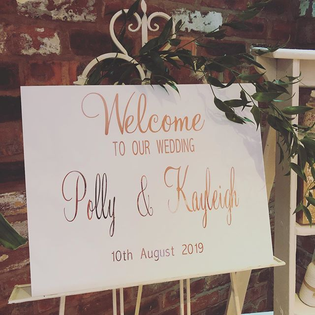 Polly & Kayleigh's wedding decor at @moddershalloaks_weddings . Flowers by @parsleyandsage 🌿