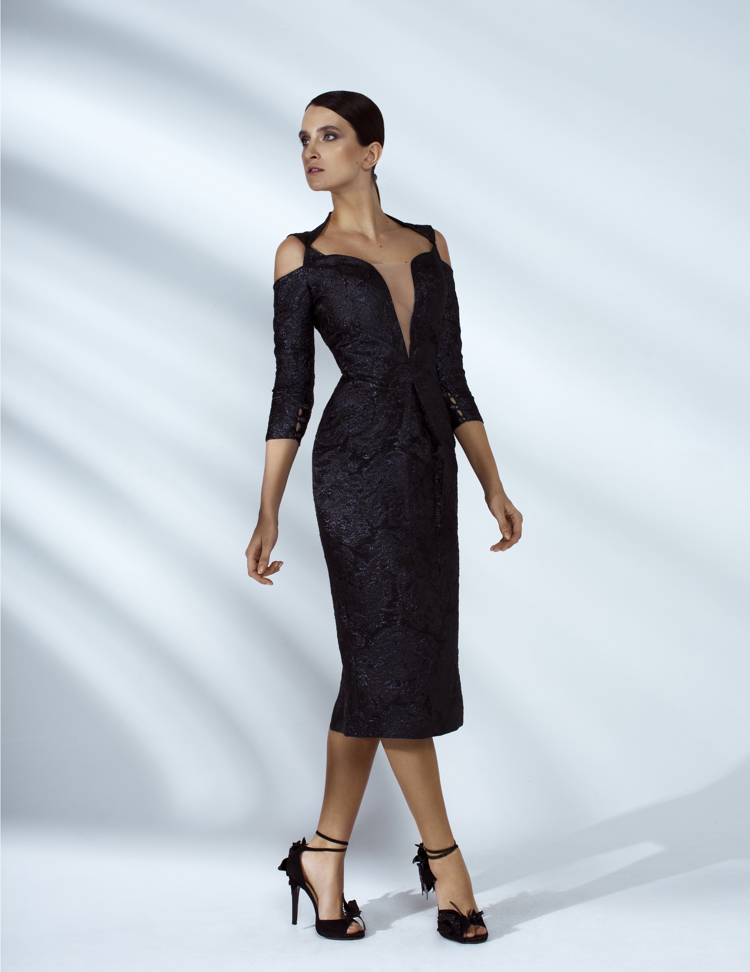 Style # - SS200022   Suri  cutout off-shoulder fitted dress