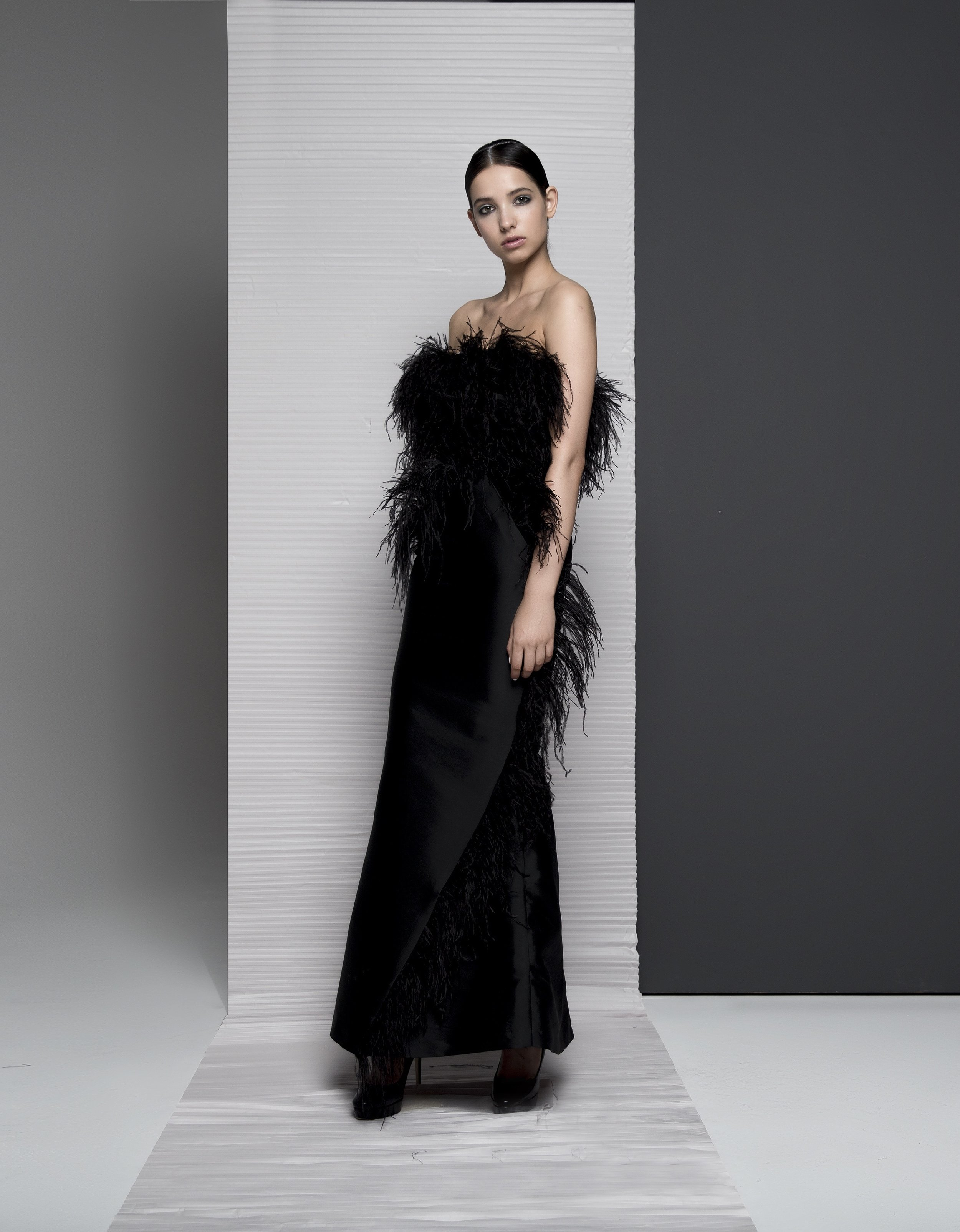 FW18026   CATELINA  FEATHERED GOWN