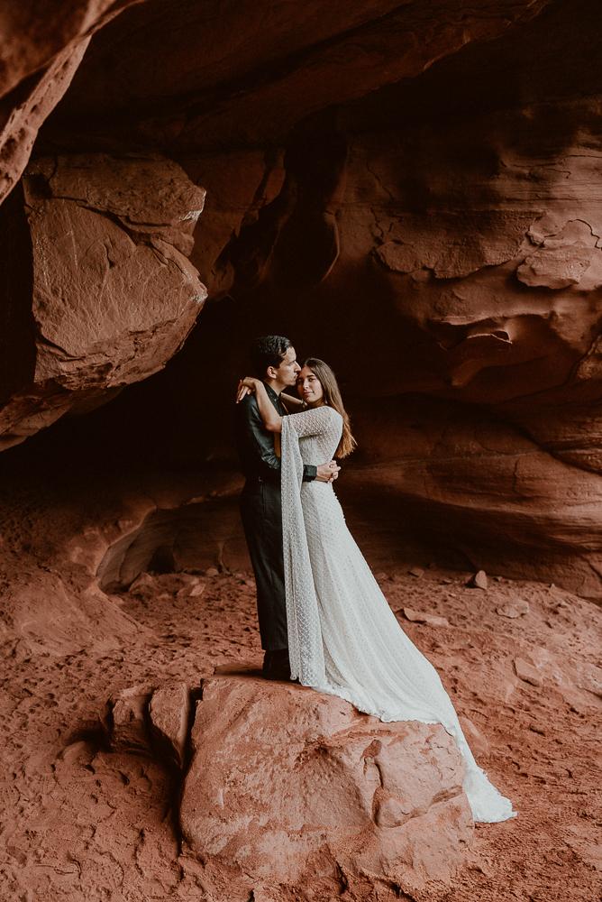 red_rock_cave_elopement_barcelona-54.JPG