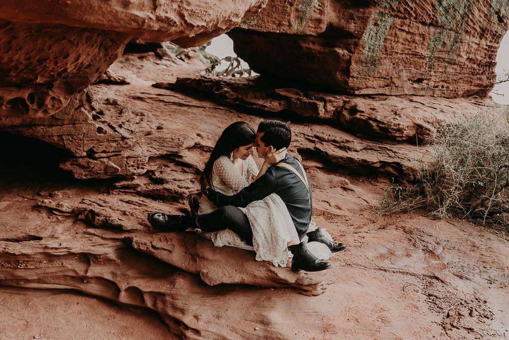 red_rock_cave_elopement_barcelona-97.JPG