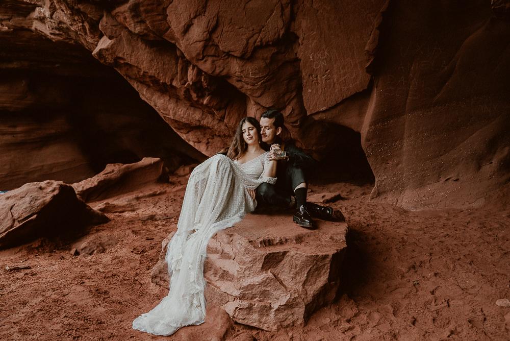 red_rock_cave_elopement_barcelona-74.JPG