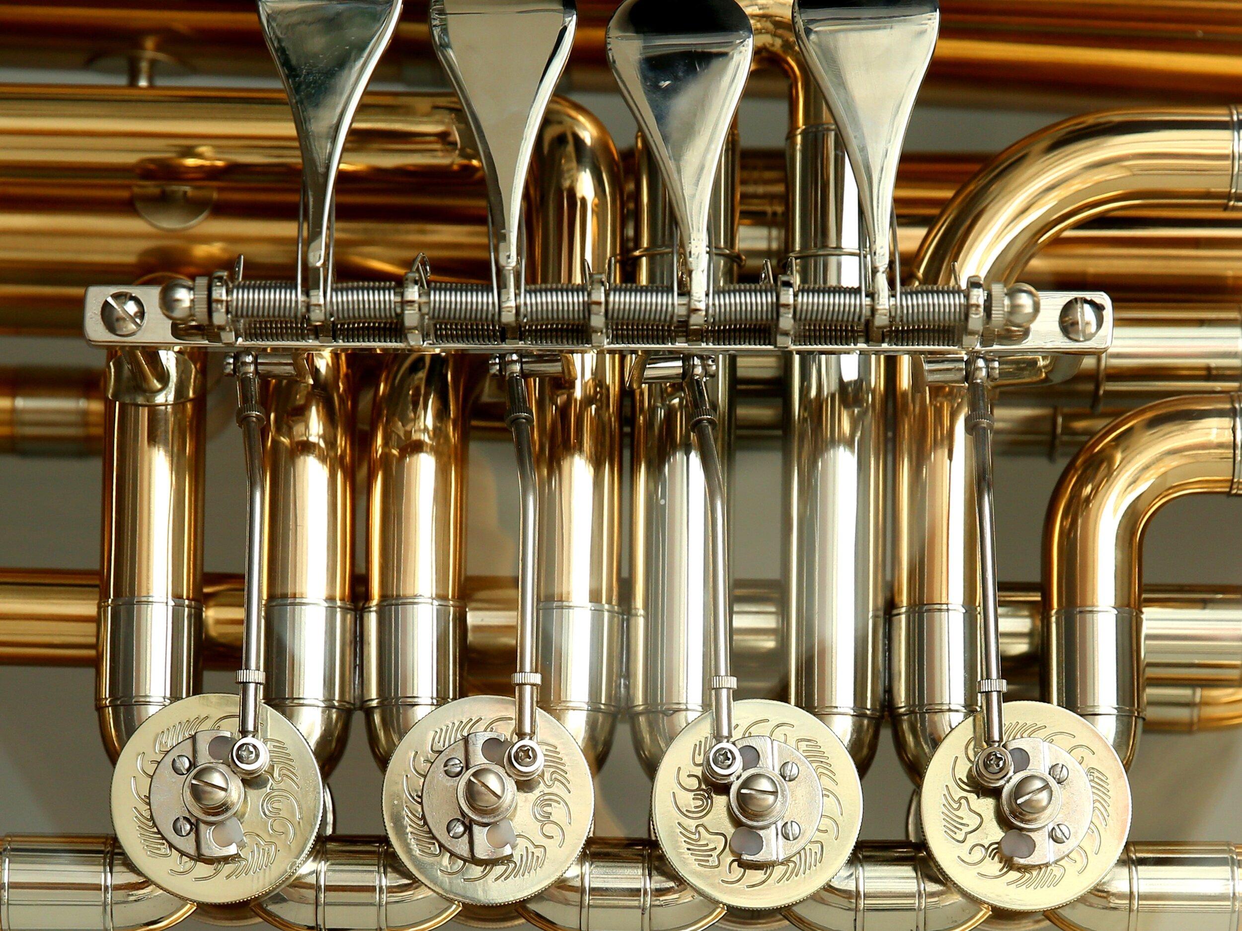 brass-brass-instrument-detail-51932.jpg