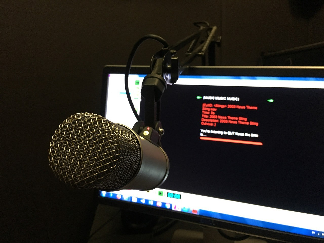 radio-2722271_1280.jpg