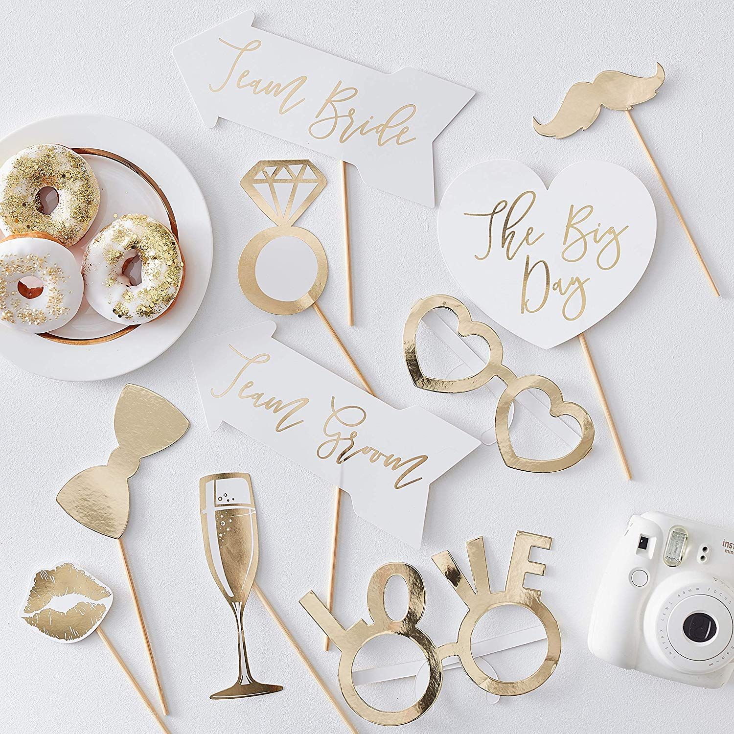 These photo booth props look so classy, and they're only $8 for 10!