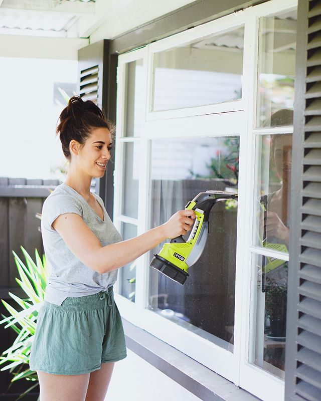 SPRING CLEANING CONTINUES 🏡 we've heard so much about window vacs and everyone knows cleaning windows is the pits! We've actually never cleaned ours 😱 We took the new @ryobinz 18V ONE+ Window Vac for a spin and it's fair to say this is one of those tools that makes cleaning less daunting. You can pick these up at bunnings and we recommend for condensation, cupboard doors, mirrors and splash backs. Mooch is also the star of our latest YouTube video so if you want to see it in action click the link in the bio. #partner