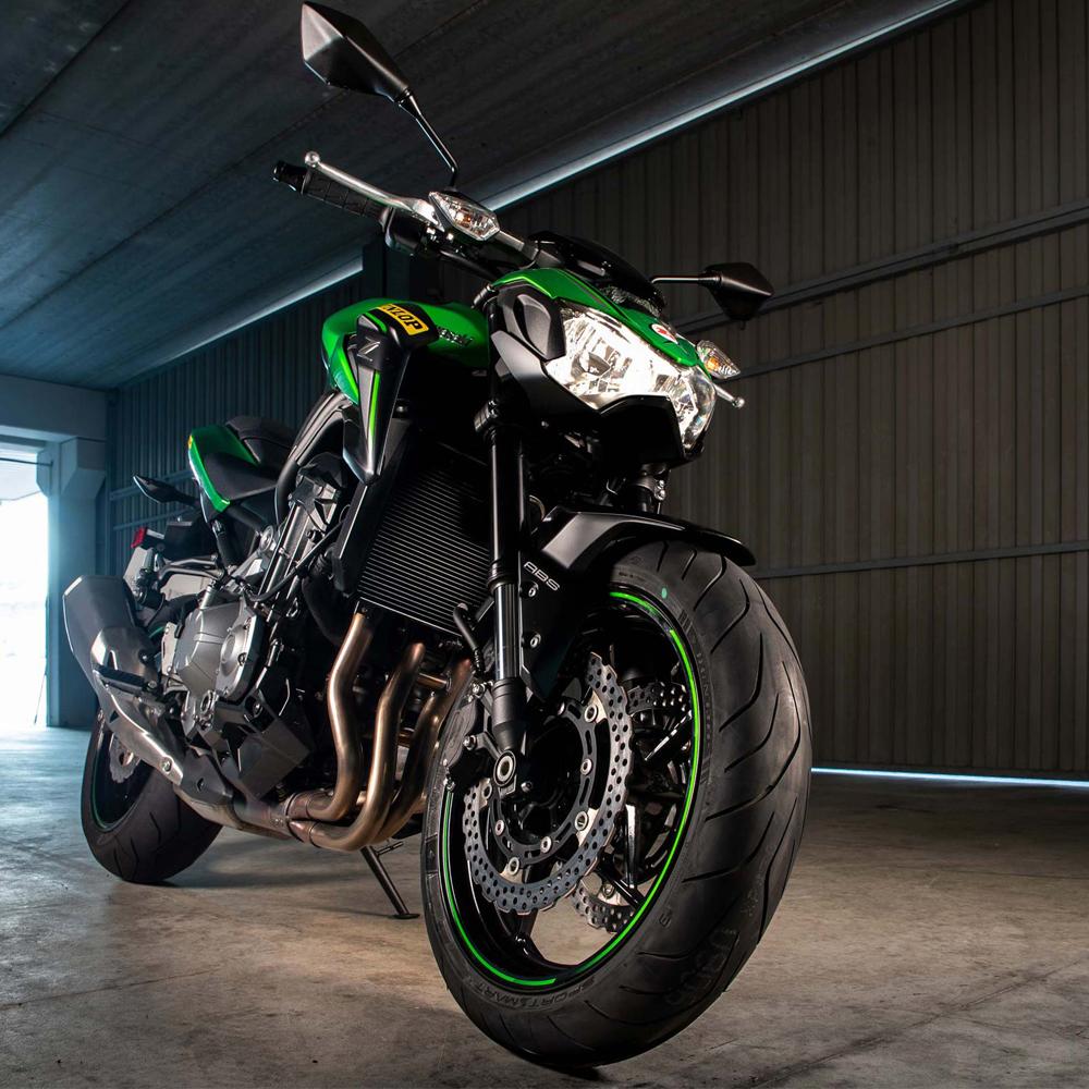 Dunlop-Bike-Tyres-Moto.jpg