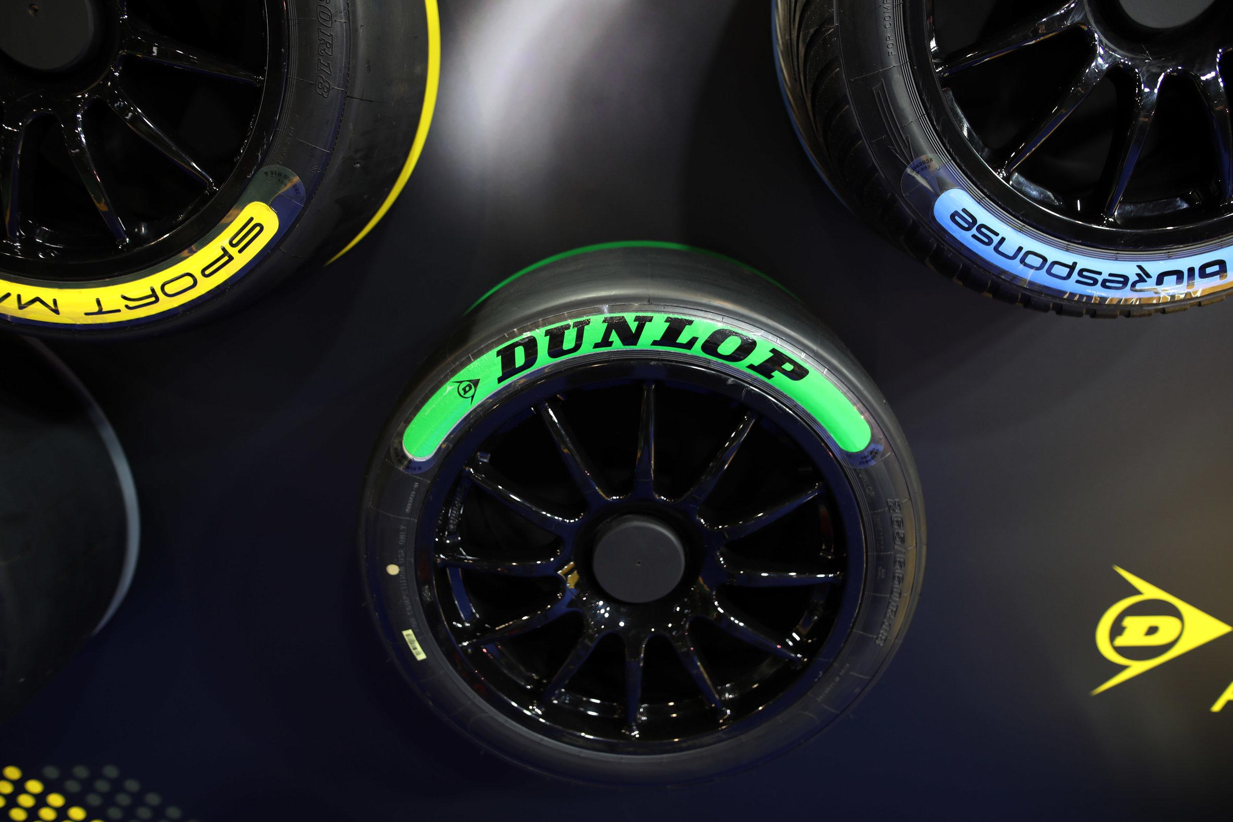 Dunlop-Tyres 3.jpg
