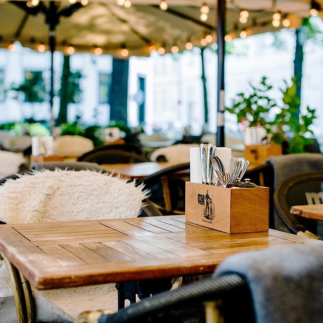 @cphjazz begins on Friday and we are more than excited! As always we fill up the yard with some of he best jazz musicians so you can enjoy food and wine while listening to some sweet tunes! See you for a fun summer night ☀️🎺 . #restaurantmaven #copenhagenjazzfestival #jazz #copenhagen #outdoordining #summer #summertime #københavn #jazzfestival #nikolajplads