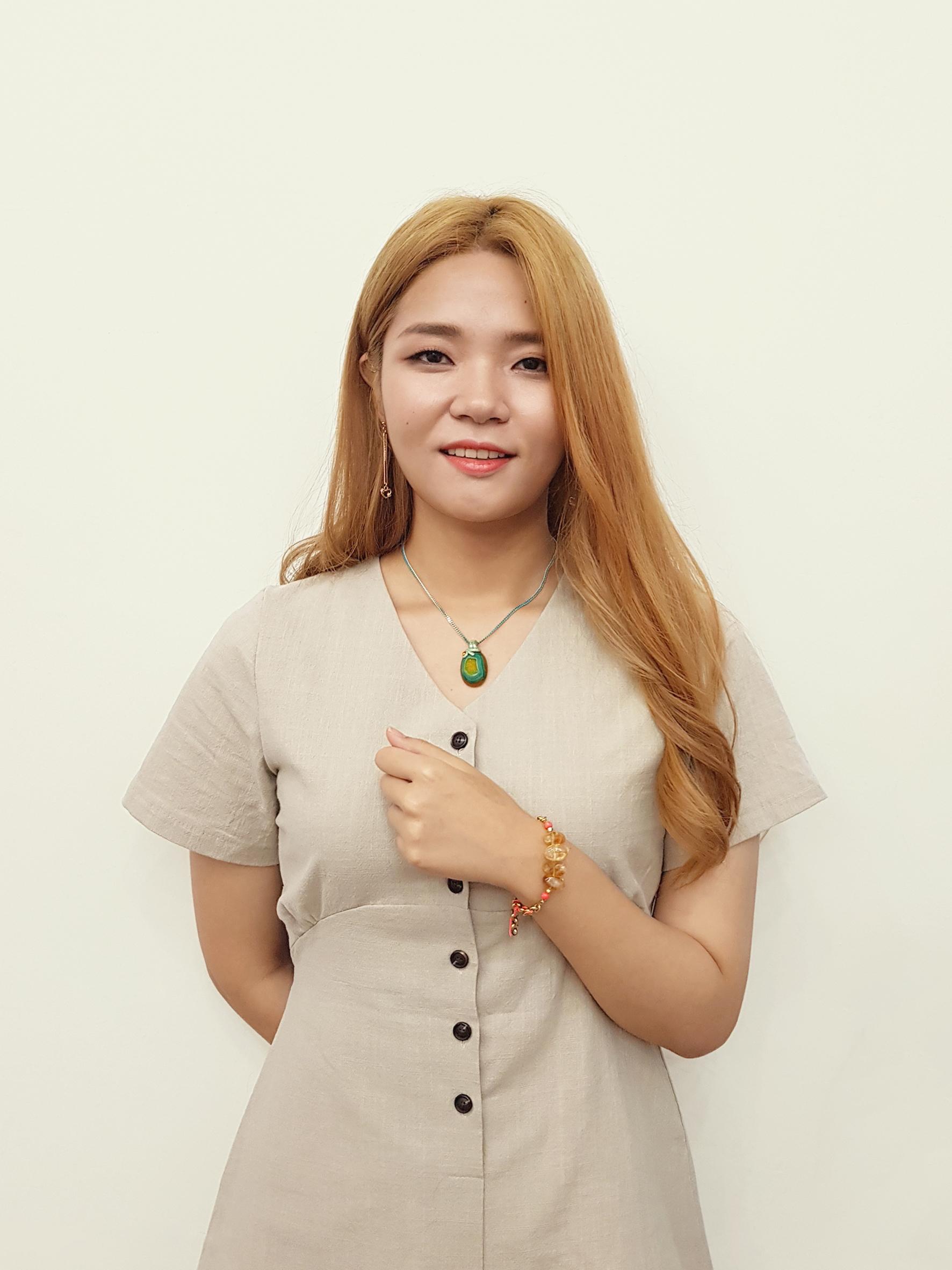 -열두달 12DAL 예림 Yerim from Seoul, S.Korea