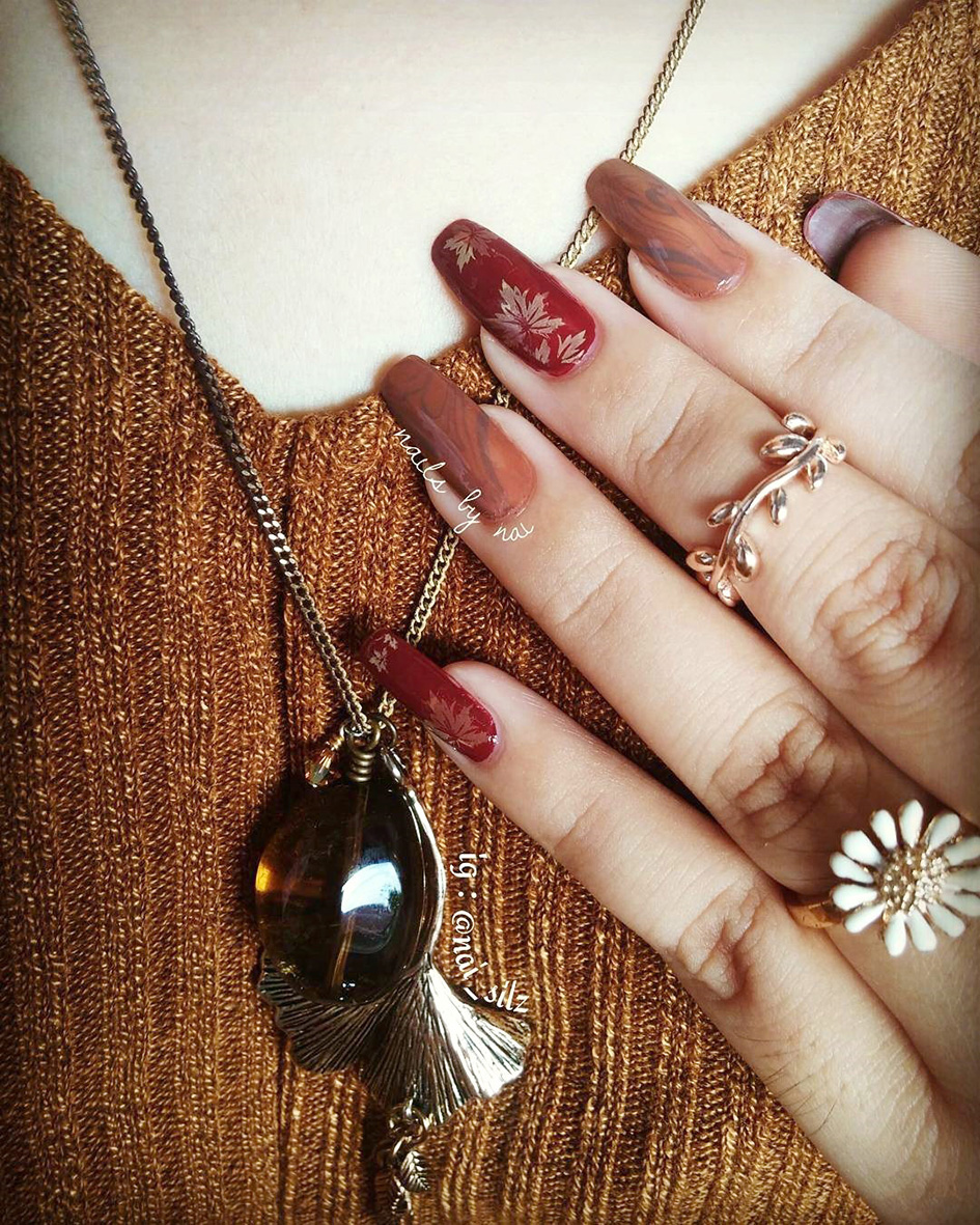 Give me the idea to make a warm color nail art to match that nice knit blouse and also THAT Whisky Quartz necklace from @treecraftdiary!! -Nelly from Pontianak, Indonesia
