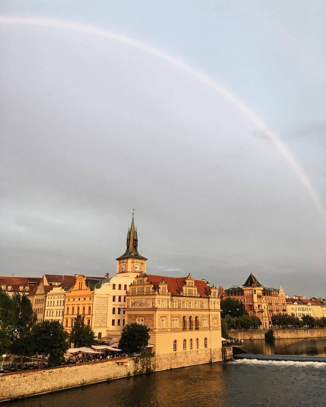 🌈 (at Charles Bridge)