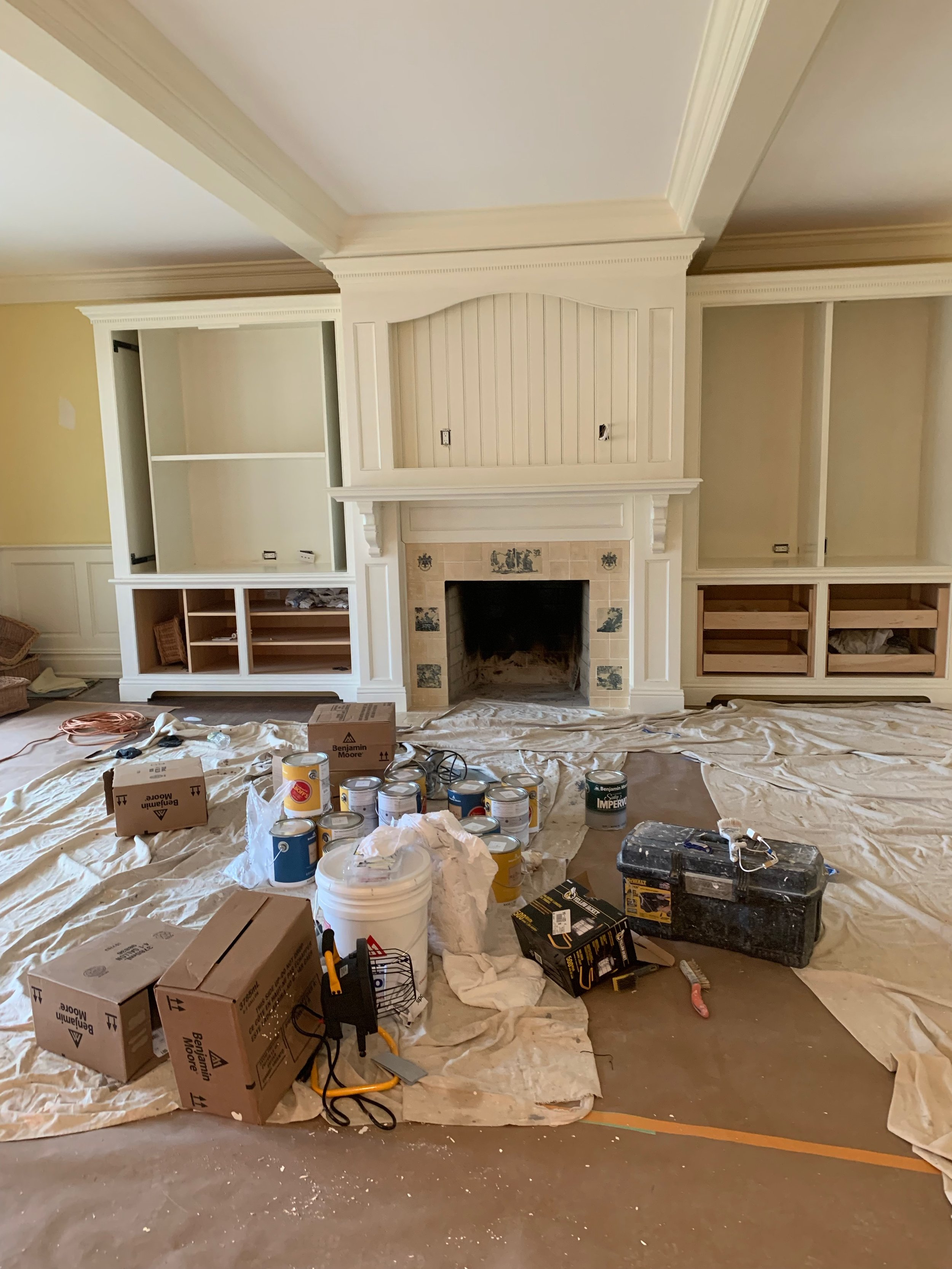 Quogue-great-room-before.jpeg