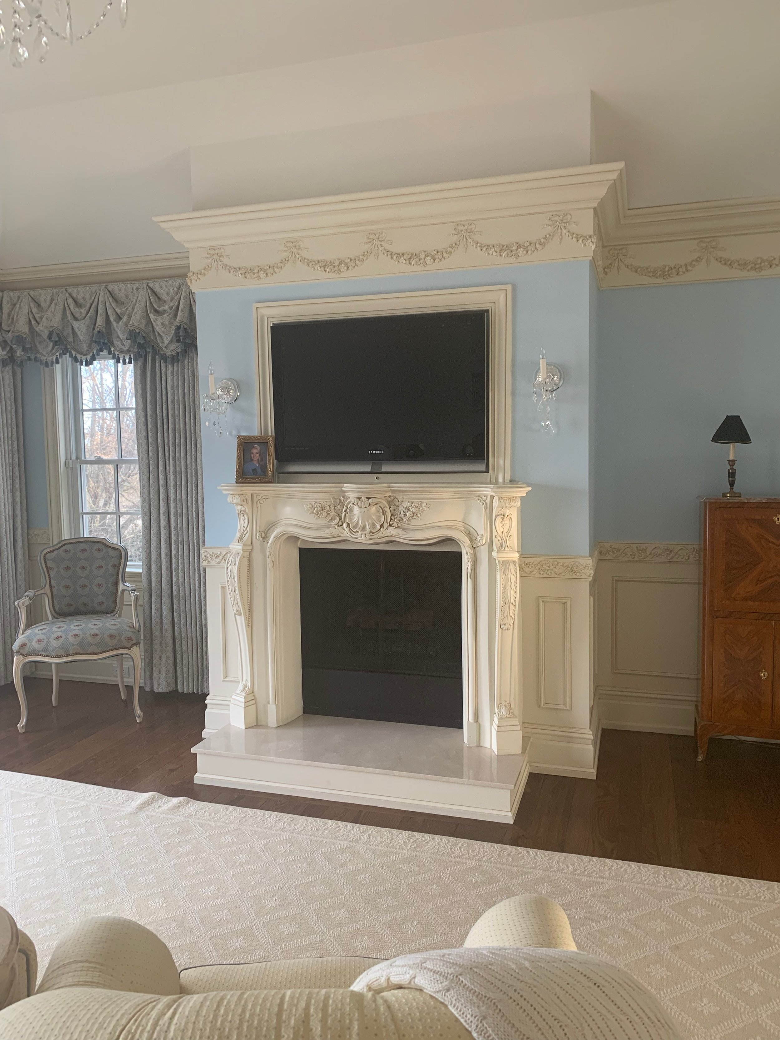 Quogue-master-bedroom-before.jpeg