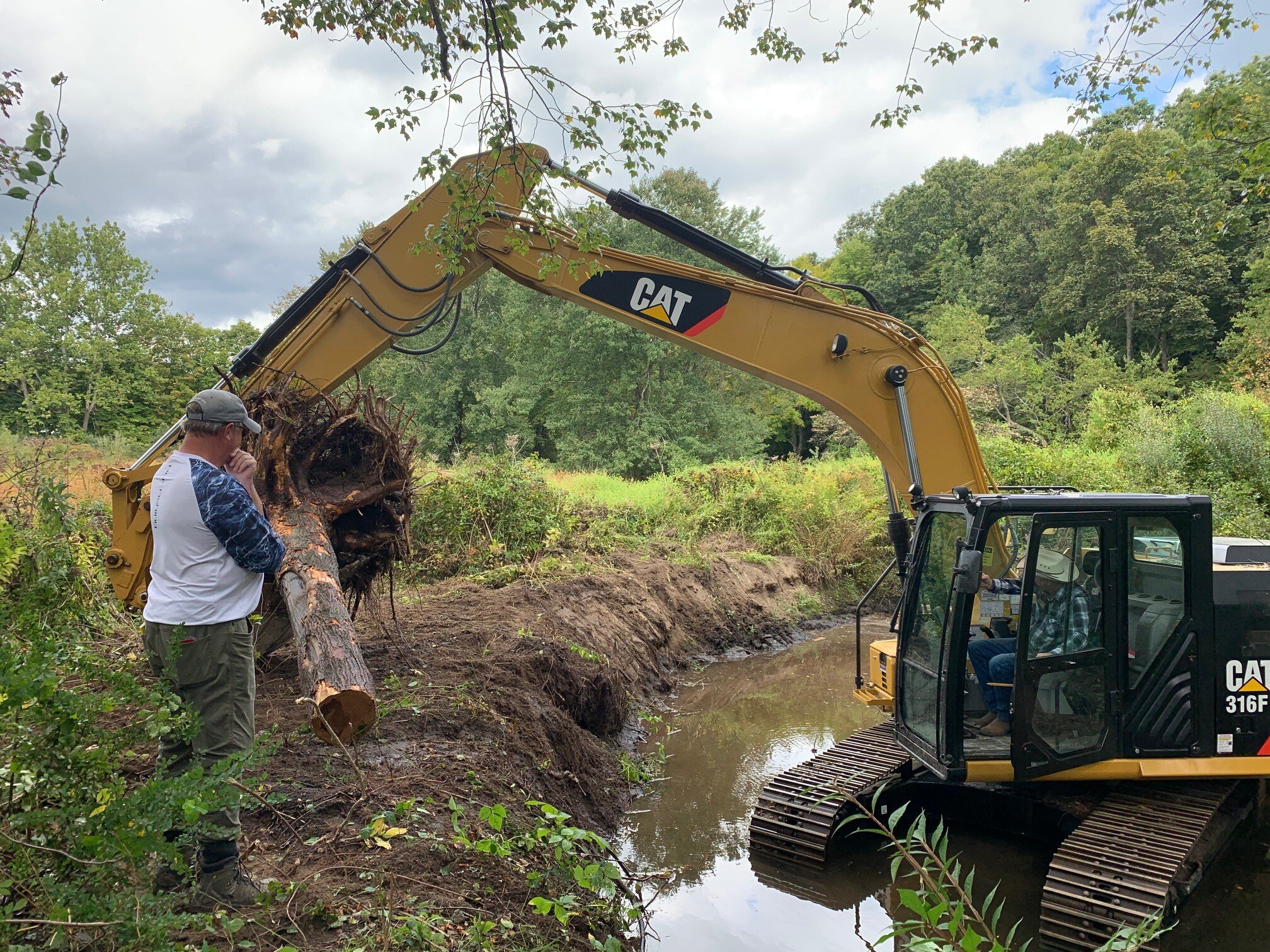 Trout Scapes in action on the Pootatuck River Root Wad project