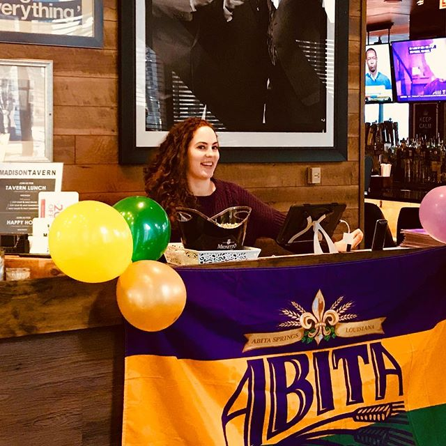 We're keeping the party and the specials going until they run out!! #hurricanecocktail #mardigras #loophappyhour #drinks #abita #donqrum