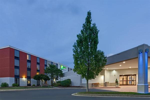 holiday-inn-express-wilkesboro_grande.jpg
