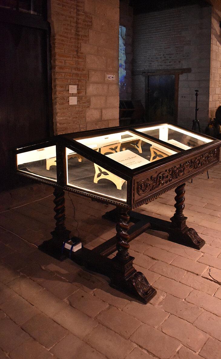 """Vista de instalación de la exposición """"Fricciones"""" de BienalSur en Casa Nacional de Moneda , Potosí, Bolivia. 2019"""