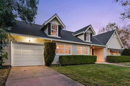150 Claremont Avenue - Vista, Vallejo3 bed - 1 bath - 1,261 sq ft$400,000