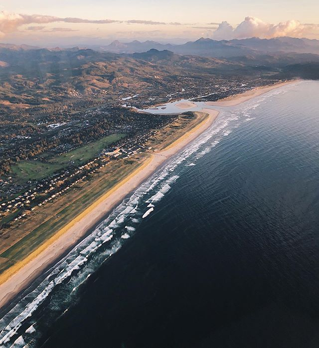 Ocean view from our CFI @pilotbenny !  He took our Cessna 172 out for a beautiful flight along the coast.