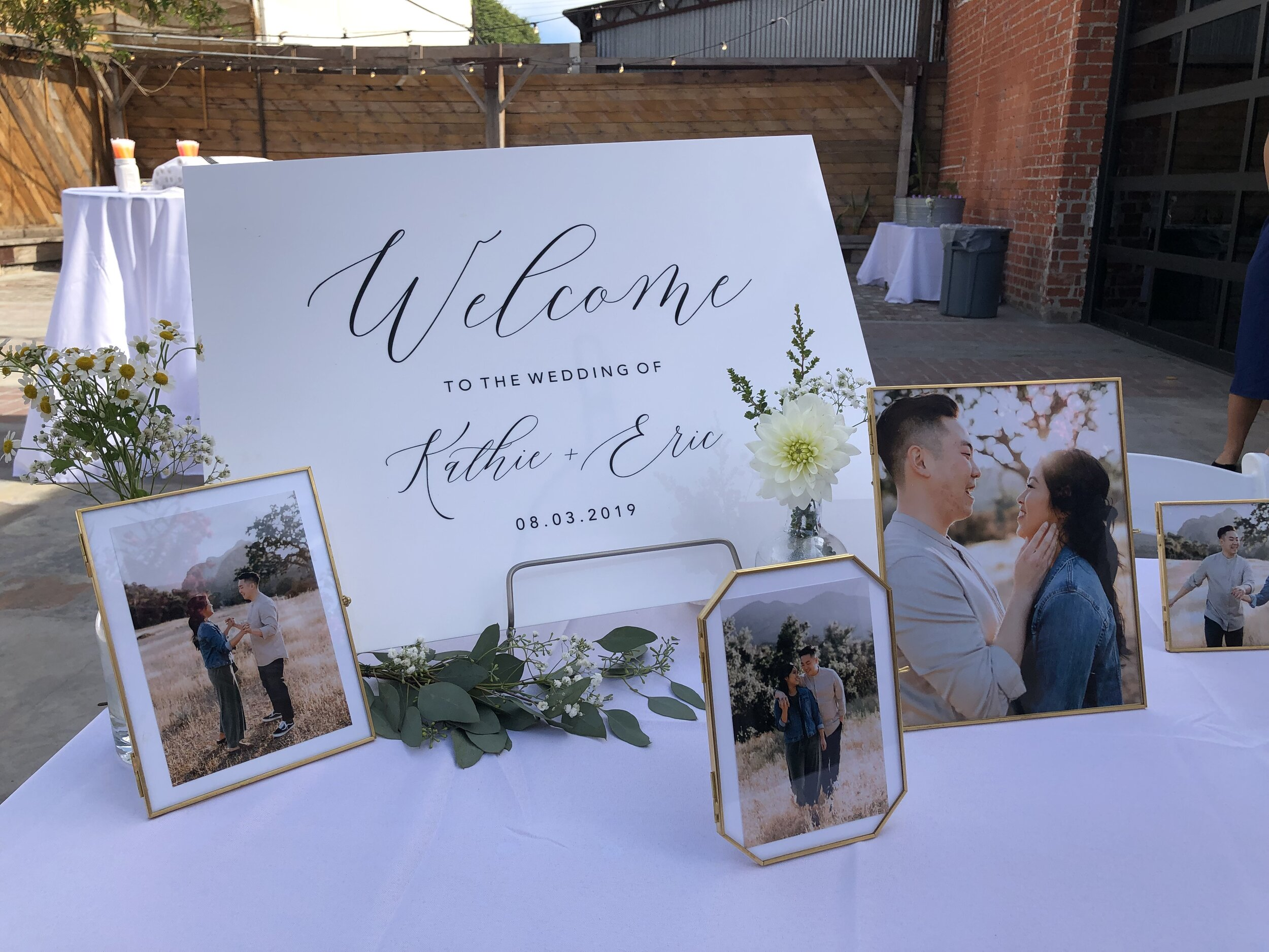 Customize your acrylic signs. Design your beautiful day with us. -