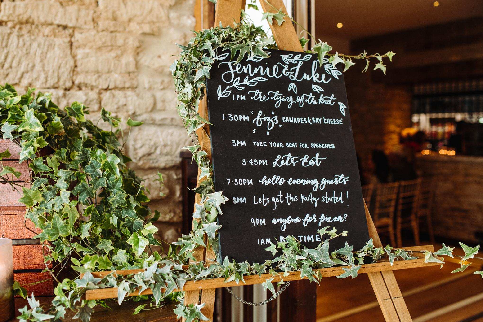 WeddingLuke&JennieLoResInternet160.jpg