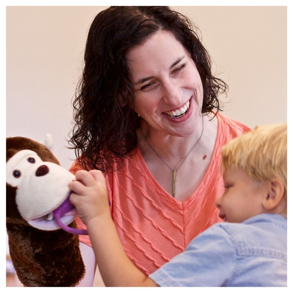 Rebecca+connects+with+boy+with+the+help+of+a+monkey+puppet.jpg