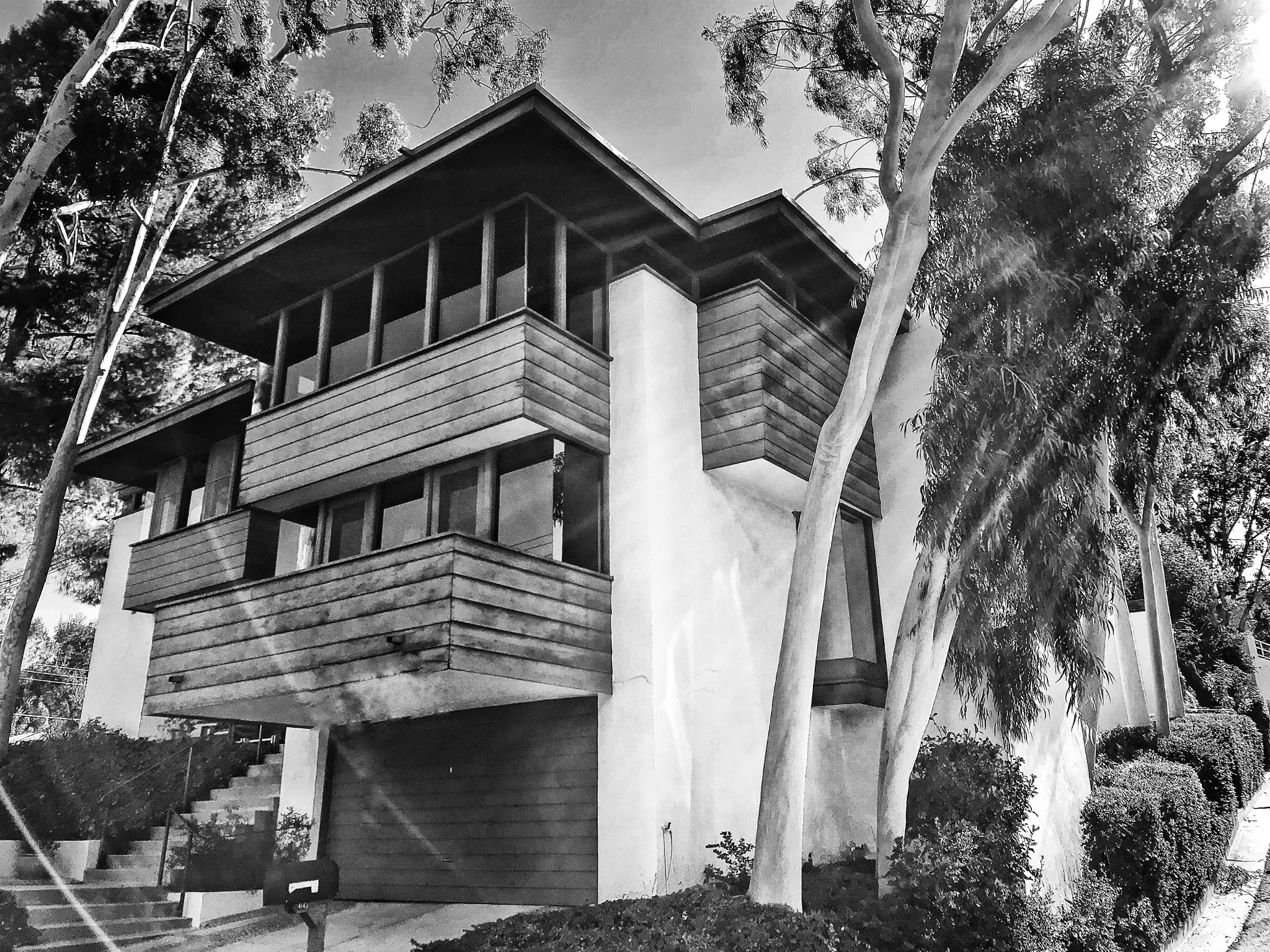 Phil Missig - Real Estate - Architectural significant  - Spanner Residence - Woodland Hills - Rex Lotery