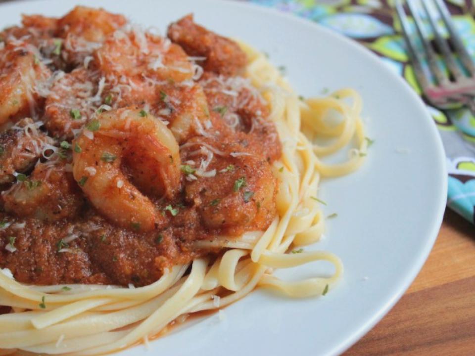 easy-spicy-shrimp-marinara-linguine.png