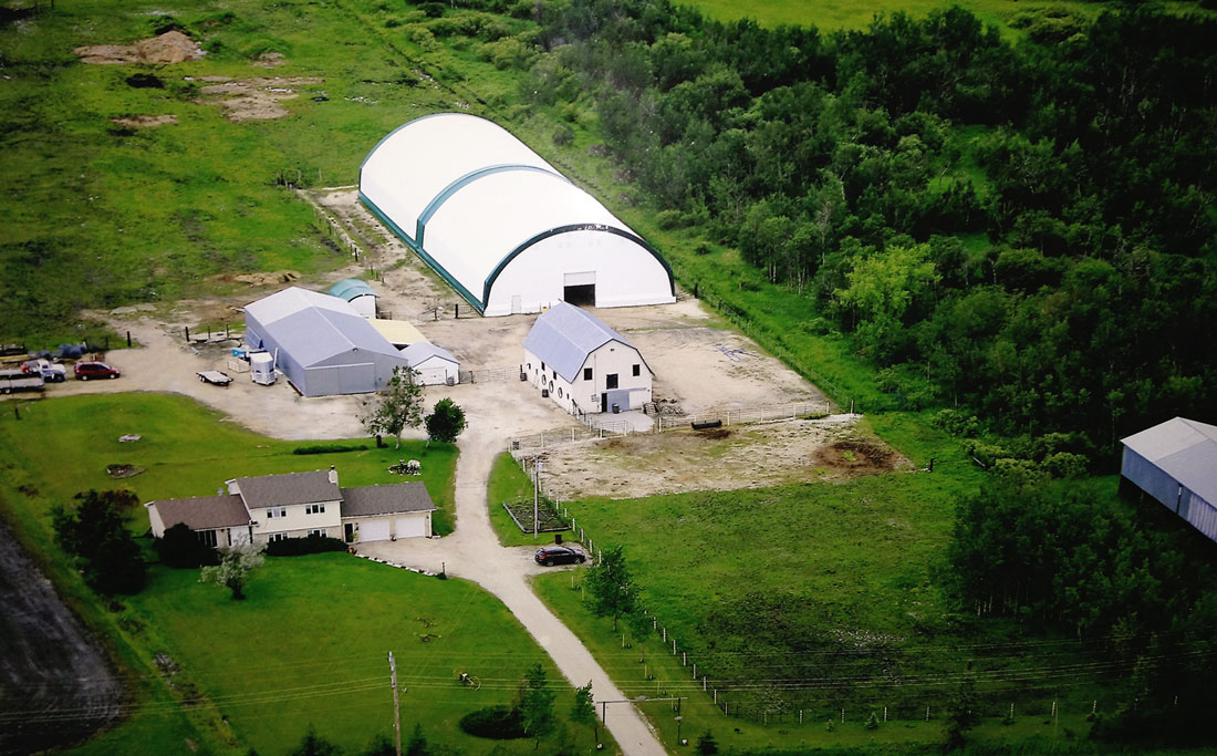 Arena: - 200 x 70 foot indoor arena- nice and brightTreated for dust control Heated tack room/viewing roomBarrels, poles, jumps, pylons, 40 inch play/training ball, and cavalettis are available.