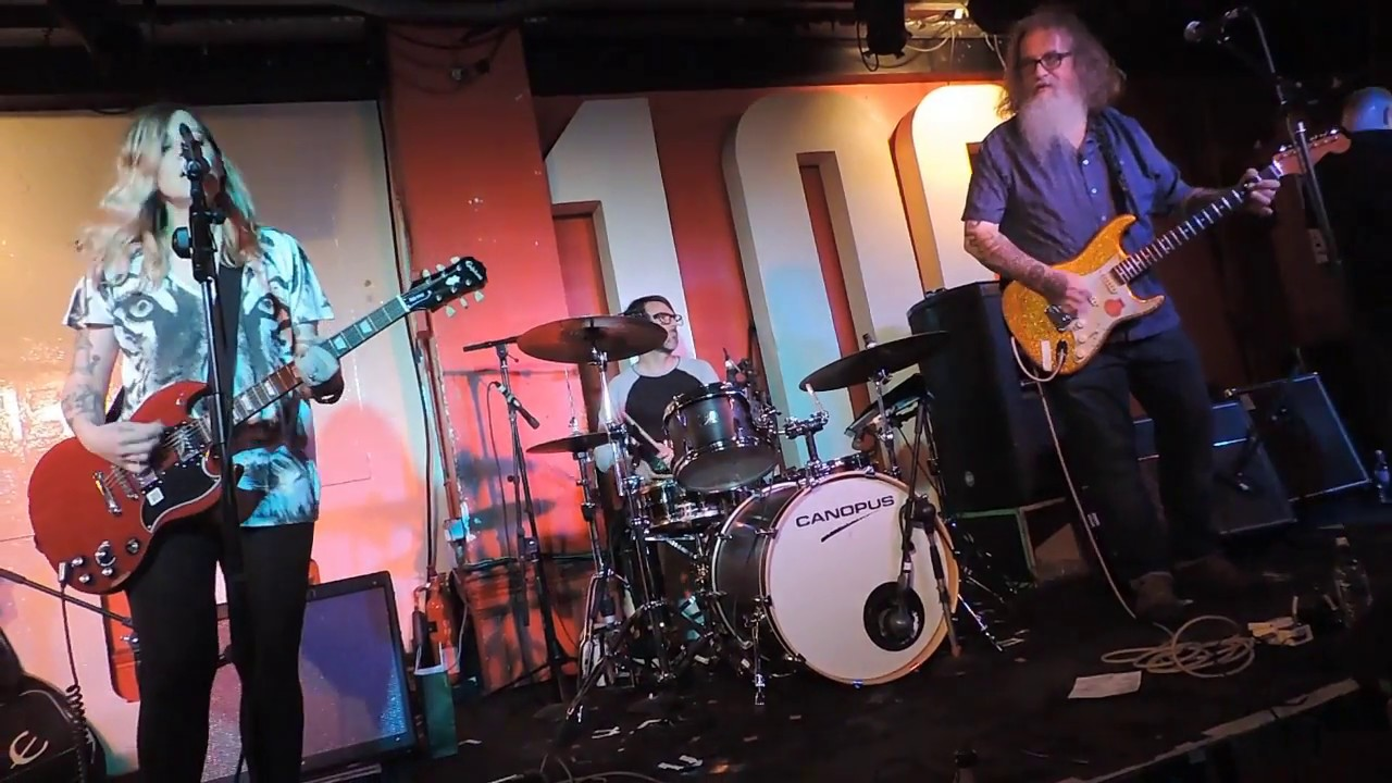 Photo from kram srednuas's Youtube video of Wussy at 100 Club