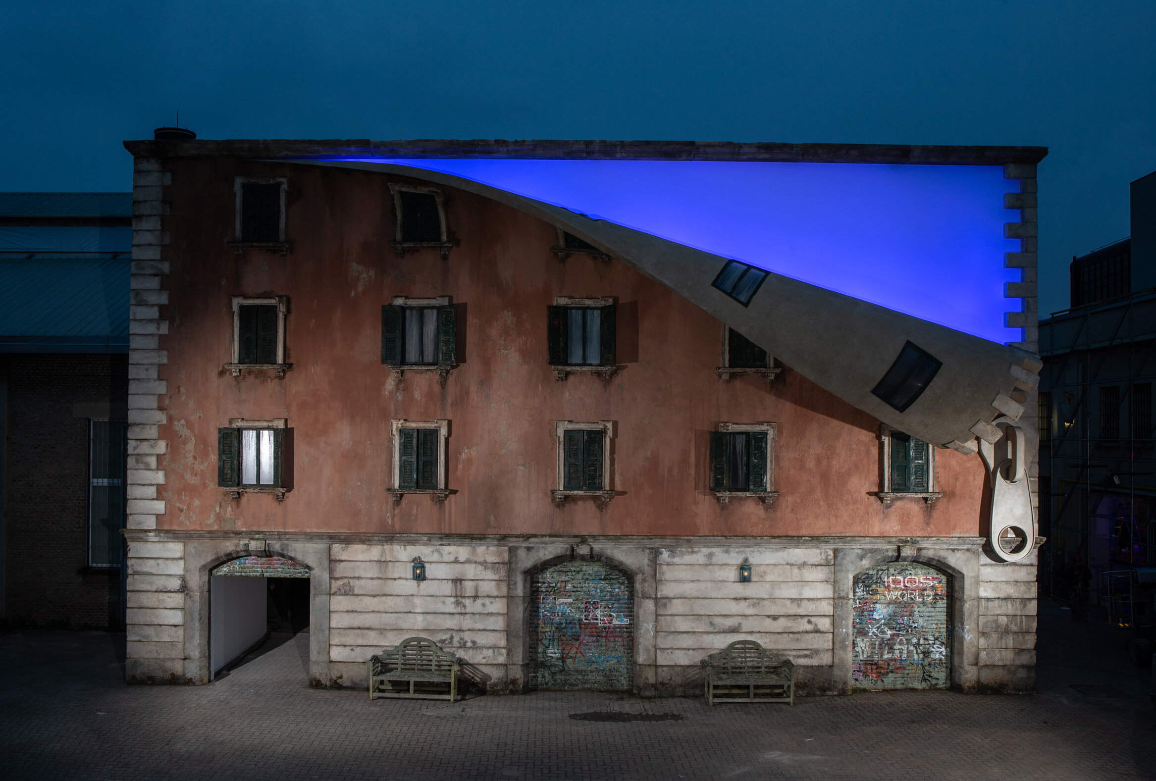 7. Alex Chinneck - A sprinkle of night and a spoonful of light - Photography by Marc Wilmott.jpeg