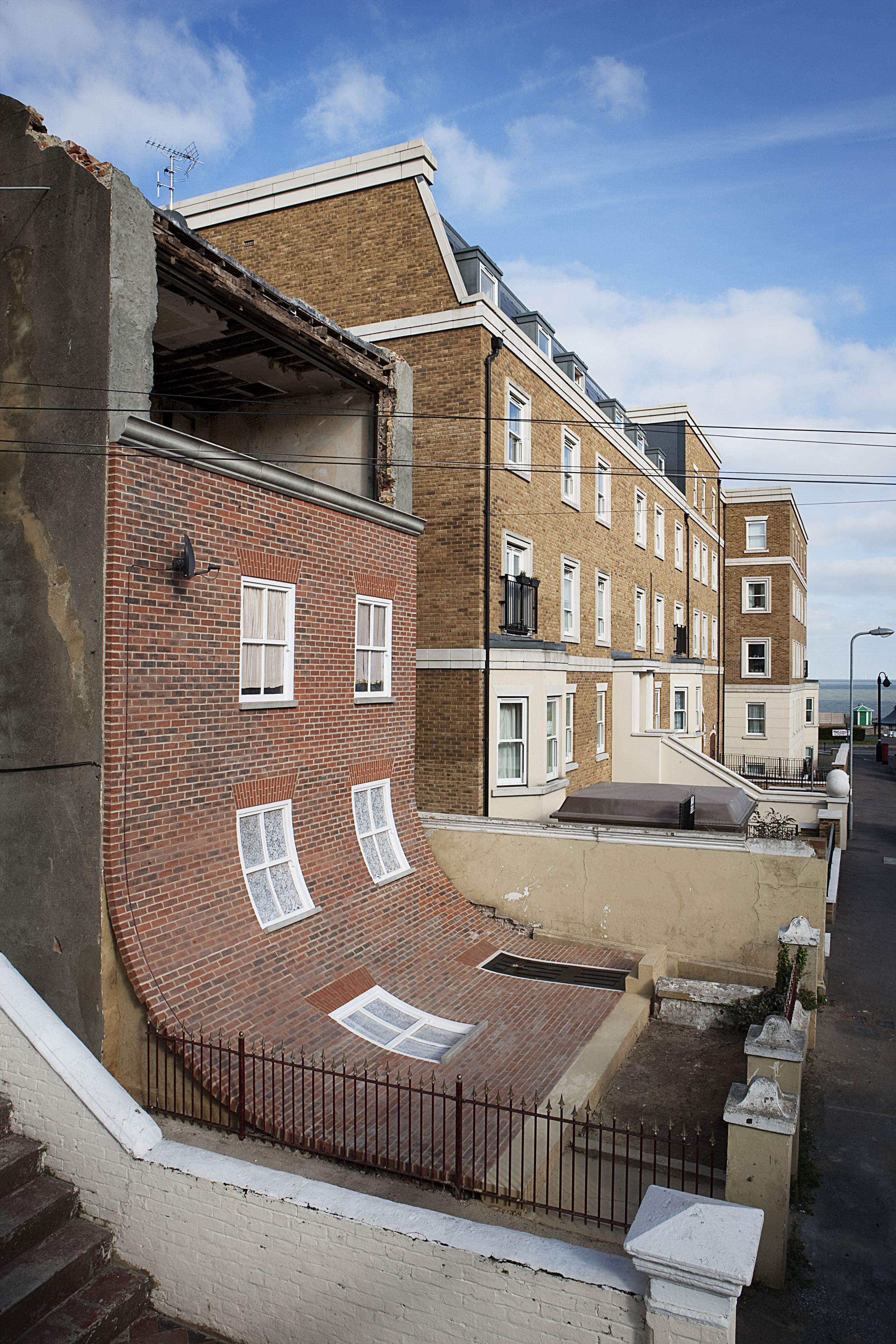 2. Alex Chinneck - From the knees of my nose to the belly of my toes - Image by Stephen O'Flaherty.jpg