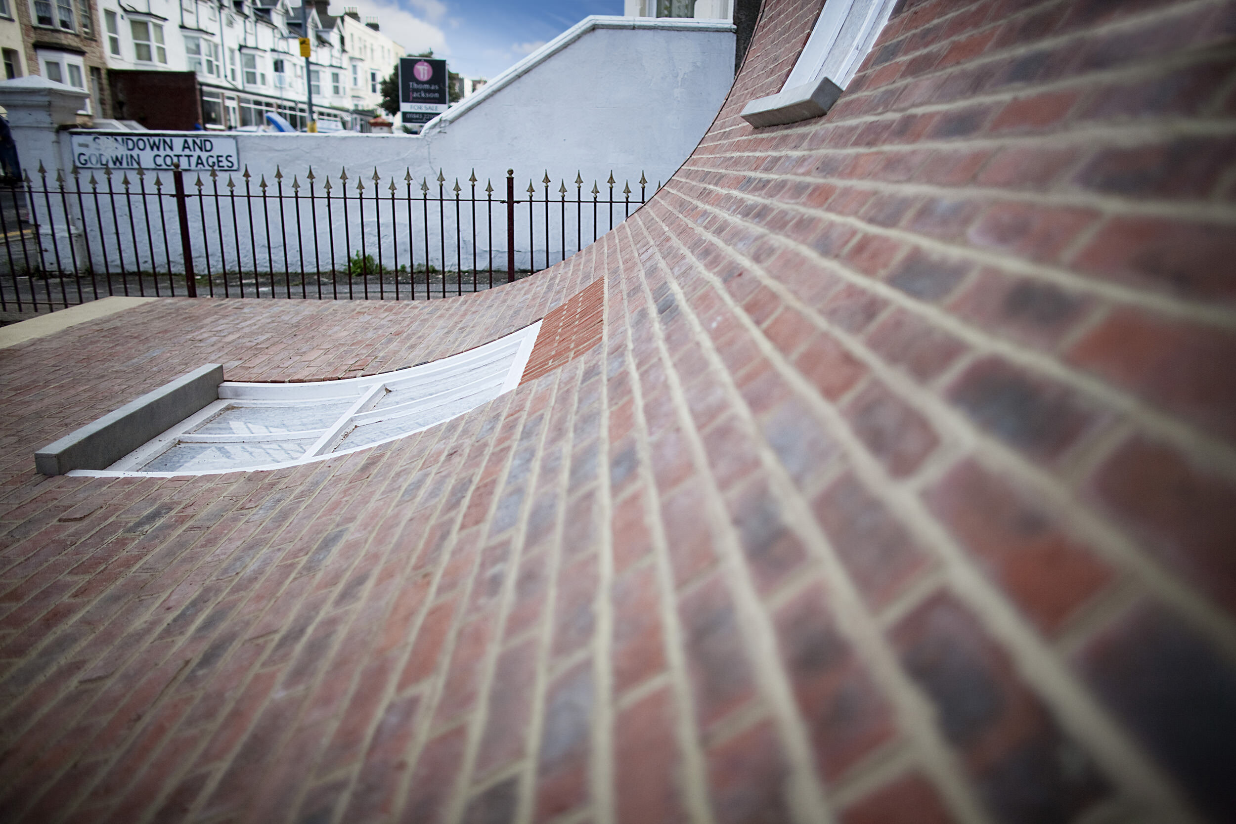 5. Alex Chinneck - From the knees of my nose to the belly of my toes - Image by Stephen O'Flaherty.jpg