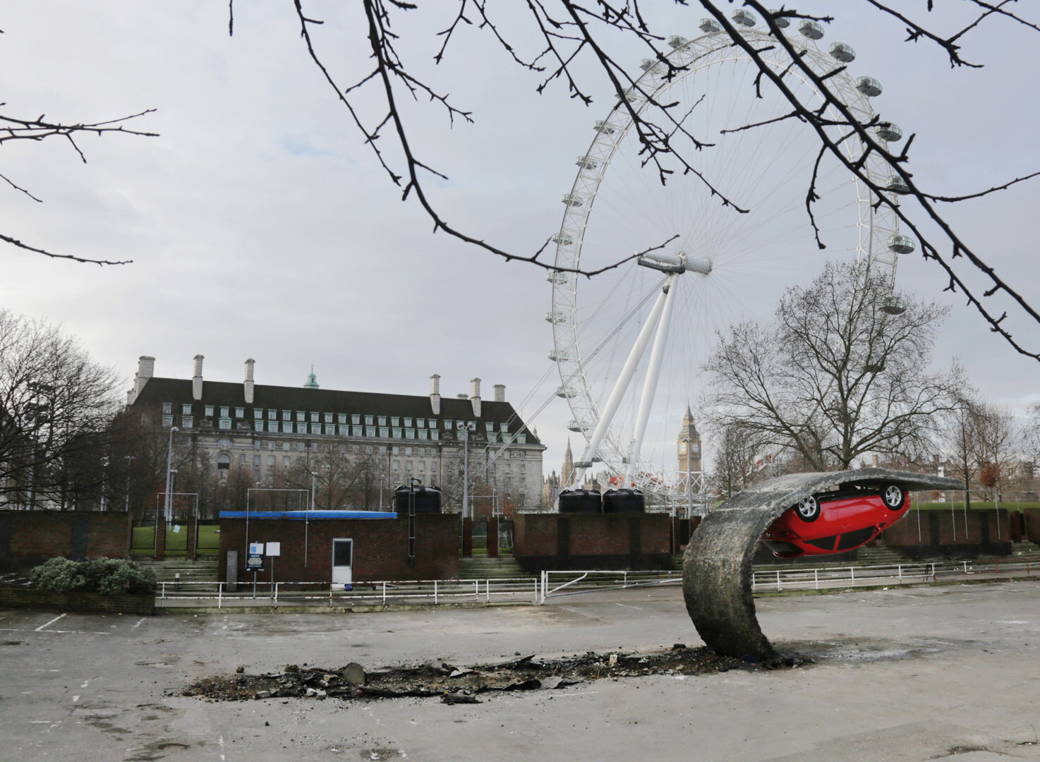 7. Alex Chinneck - Pick yourself up and pull yourself together. Image by Chris Tubbs.jpg