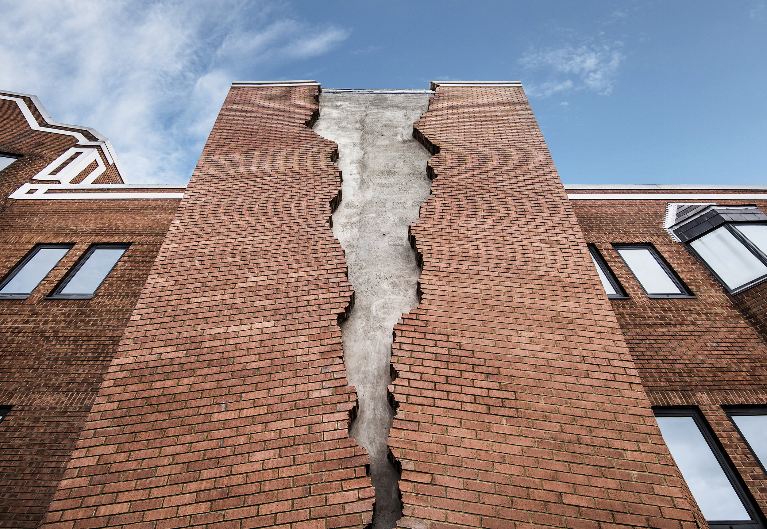 2. Alex Chinneck - Six pins and half a dozen needles - Image by Charles Emerson.jpeg