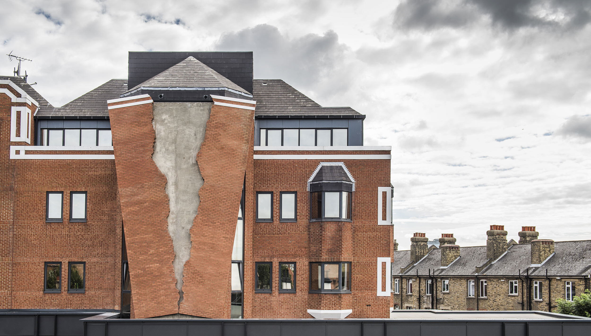 4. Alex Chinneck - Six pins and half a dozen needles - Image by Charles Emerson.jpg